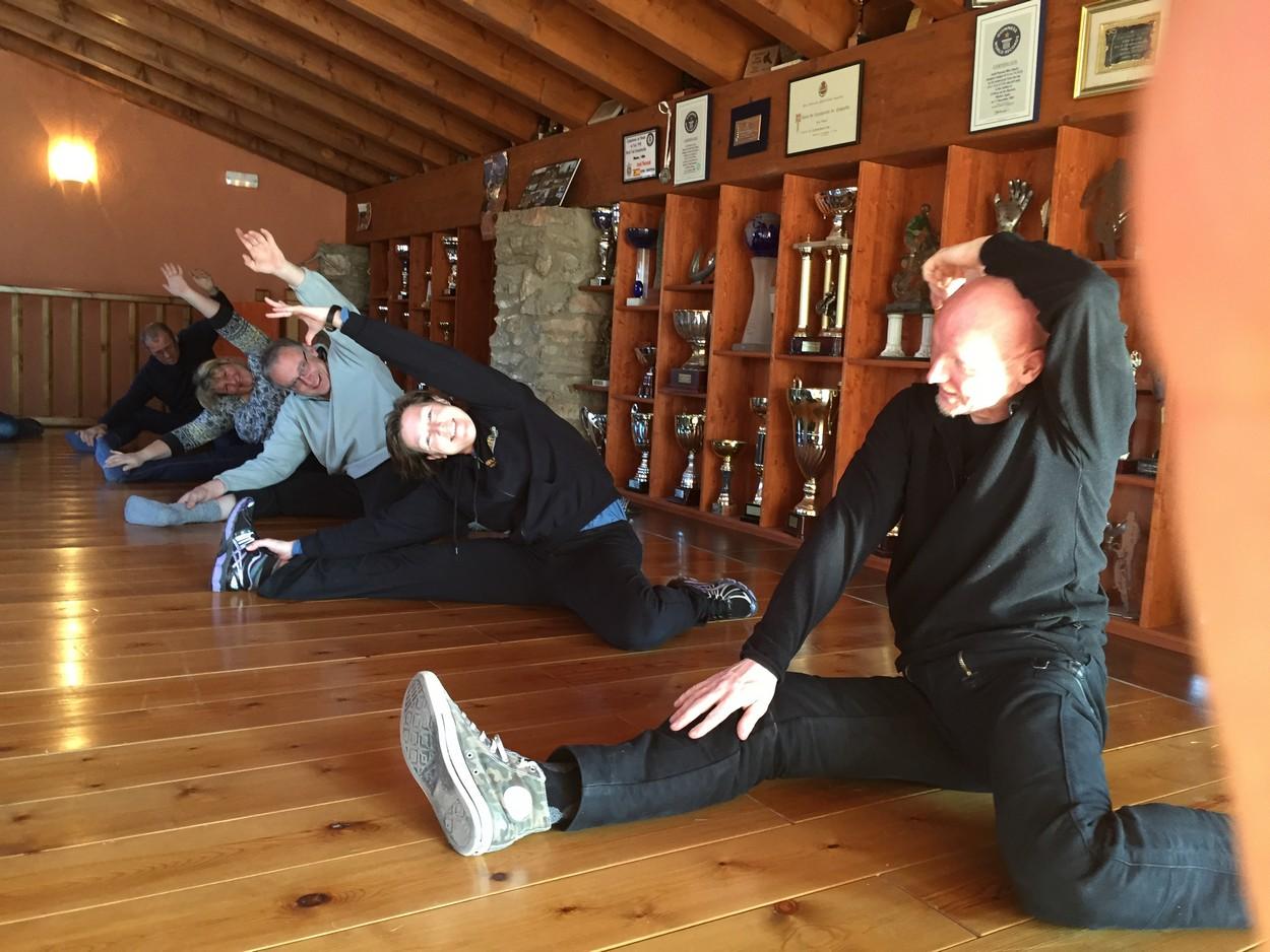 Bei der morgendliche Aufwärm-Gymnastik machten die Blogger jetzt eher nicht so die beste Figur. :D
